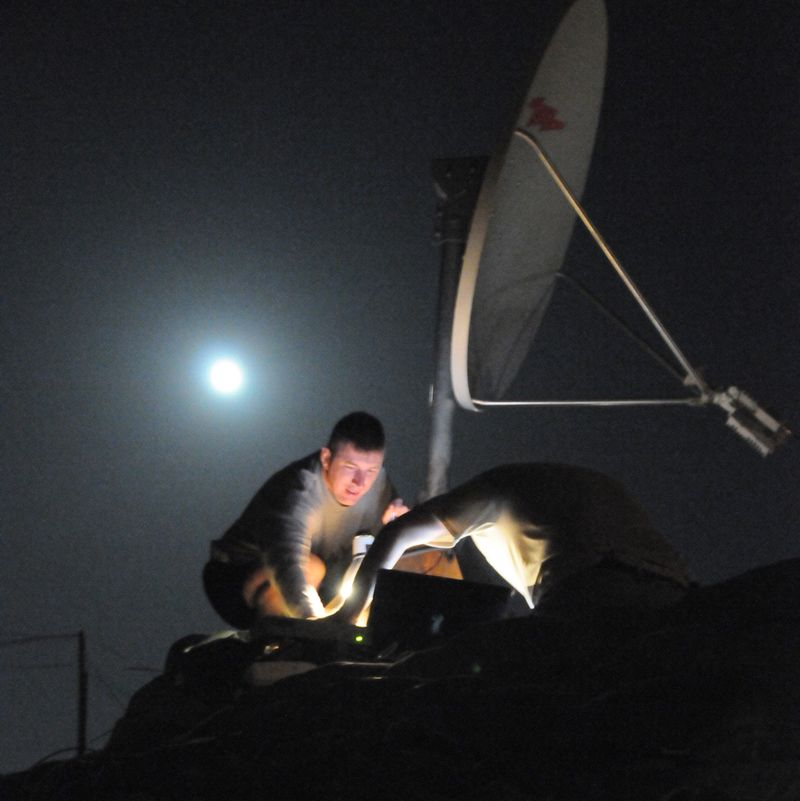 Satellight_in_the_Moonlight_2[1]
